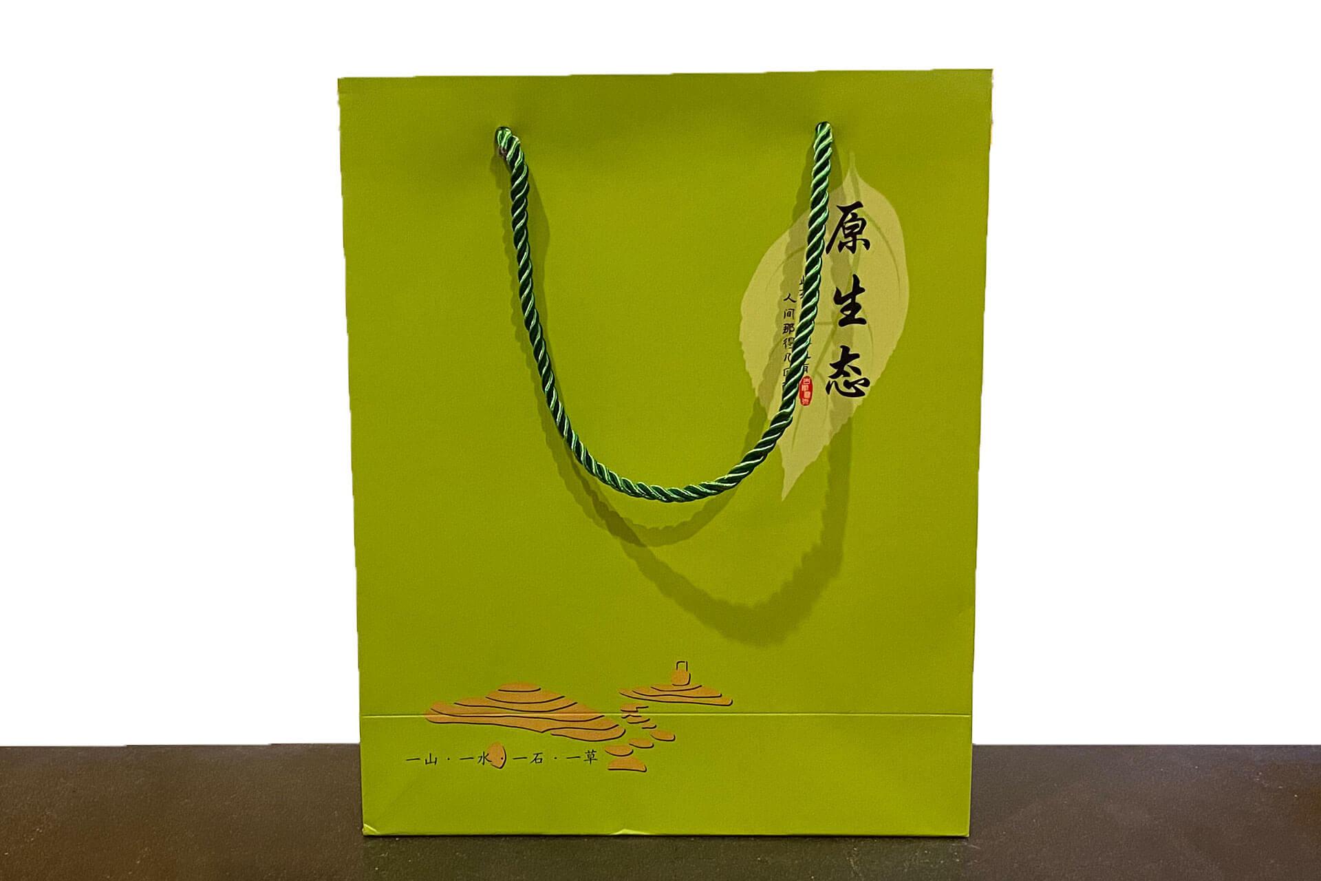 Пакет бумажный подарочный салатовый