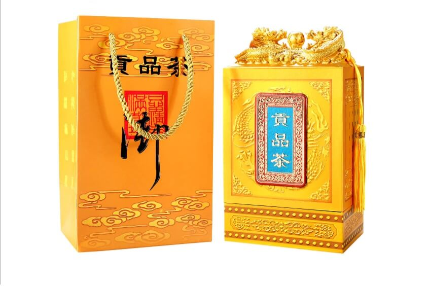 Коробка подарочная с драконом