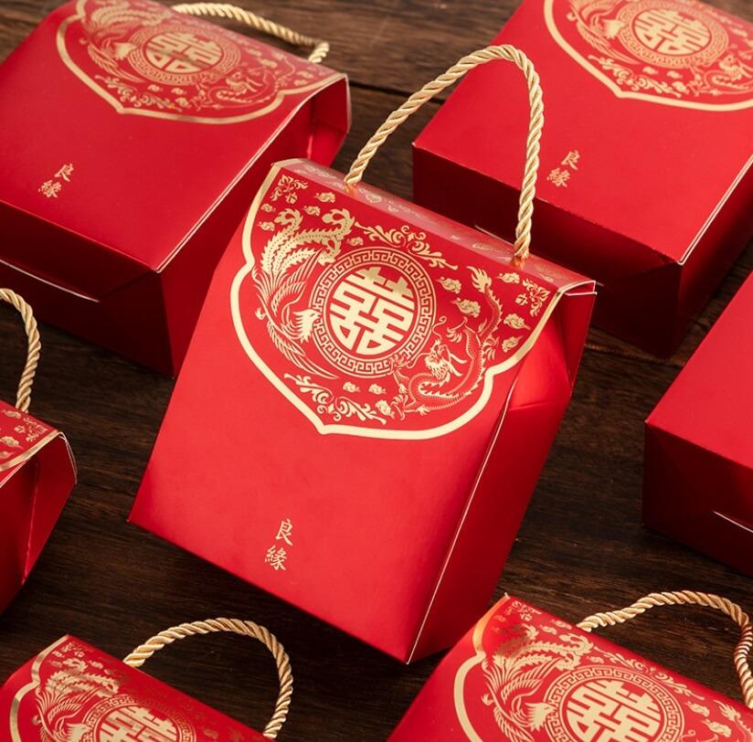 Коробка красная большая с ручками