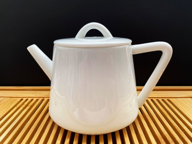 Чайник из фарфора белый #1, 180 мл.