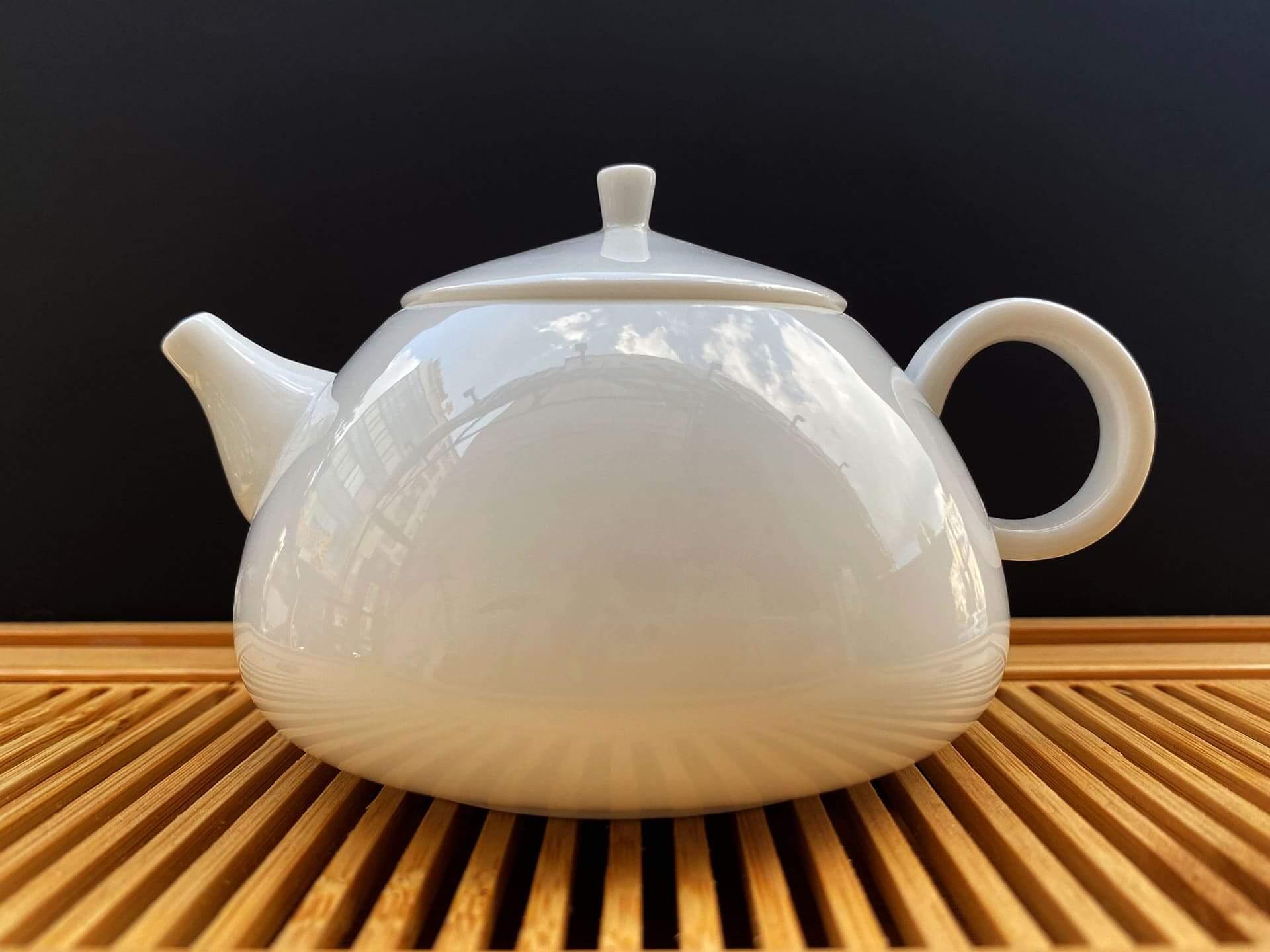 Чайник-из-фарфора-белый-#2